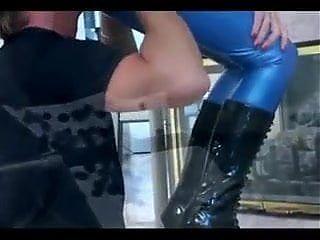 Brunette Hottie in Bright Blue blowjob