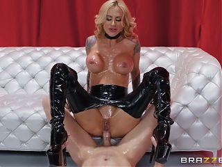 Blond cougar Sarah Jessie gets a good anal fuck