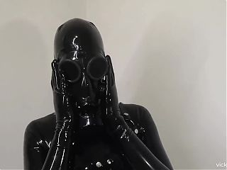 Heavy Rubber look with Custom Gas Mask
