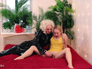 Lesbian Pussy Masturbation – light BDSM, Positive Femdom, Arya G