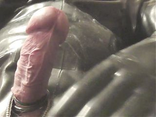 anondesire heavy rubber masturbation and blowjob