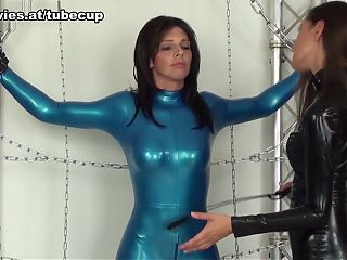 Hot policewoman in leather fucks herself solo